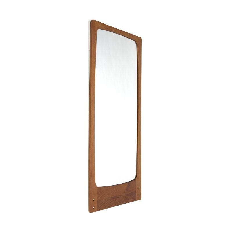 Deense spiegel met koperen detail