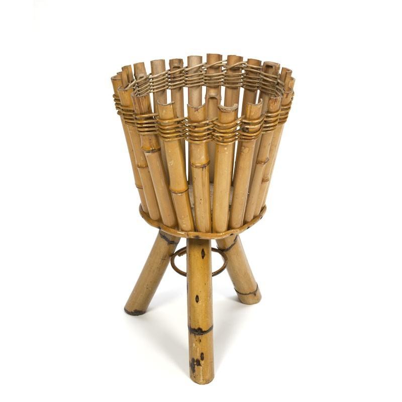 Grote bamboe bloempot houder op driepoot