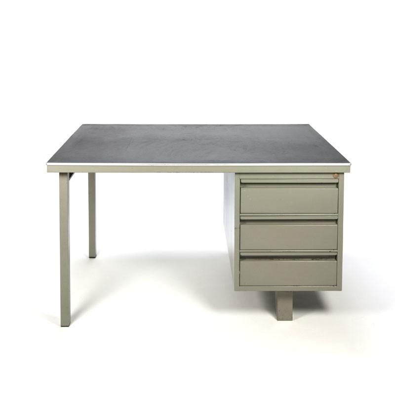 Goede Robuust industrieel bureau met linoleum blad - Retro Studio EG-46
