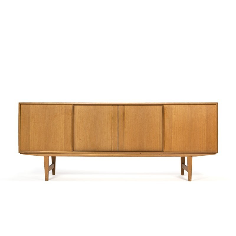 Deens eiken dressoir ontwerp E.W. Bach