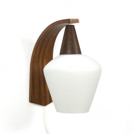 Vintage wandlamp met plywood en glas