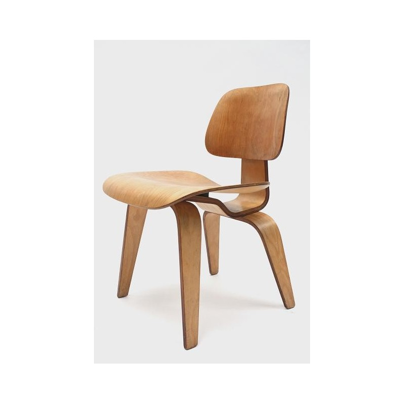 Eames DCW Herman Miller edition