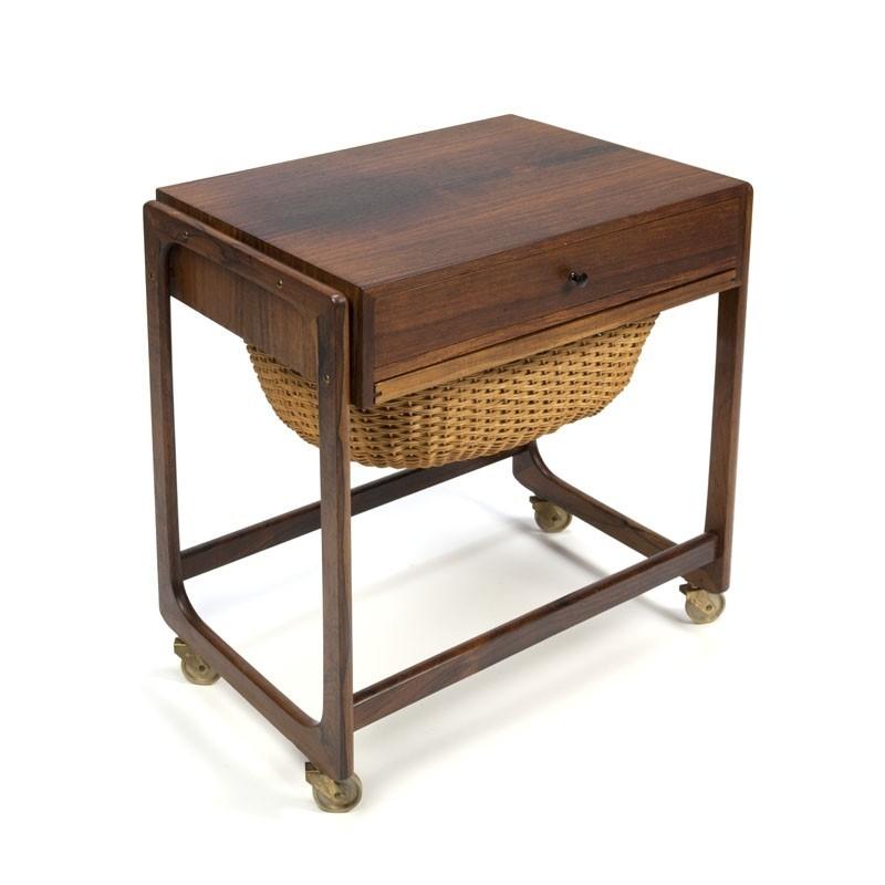 Deense vintage palissanderhouten bijzettafel/ meubel