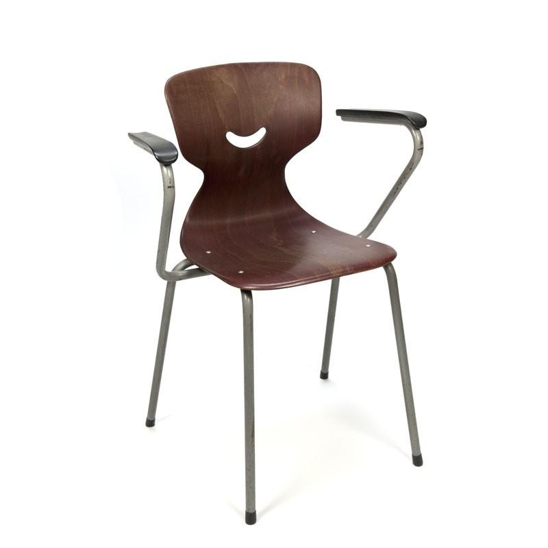 Industriele vintage stoel met armleuning van Galvanitas
