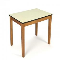Vintage tafeltje voor kinderen