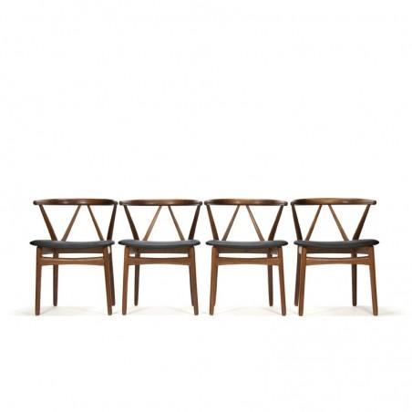 Vintage Henning Kjaernulf set eettafel stoelen model 255