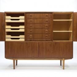 Vintage hoog model Deens dressoir met lades