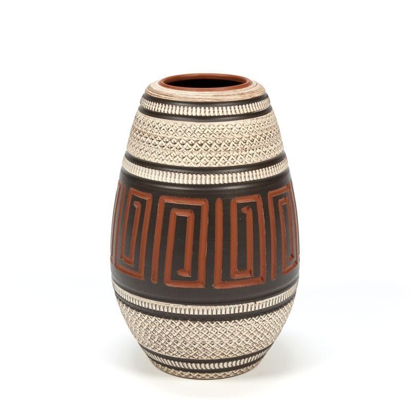 Vintage aardewerken hand bewerkte vaas