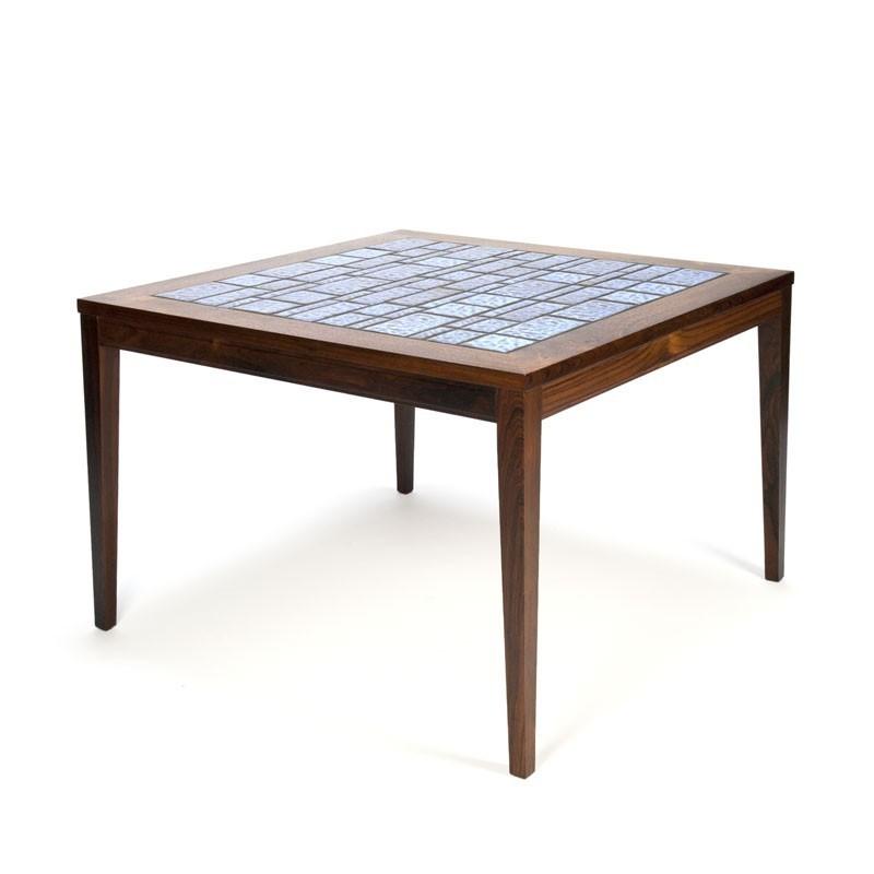 Deense vintage salontafel palissanderhout met blauwe tegels
