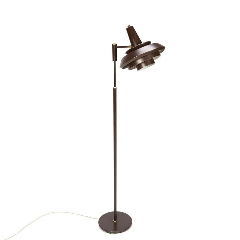 Deense vintage vloerlamp met bruin metalen kap
