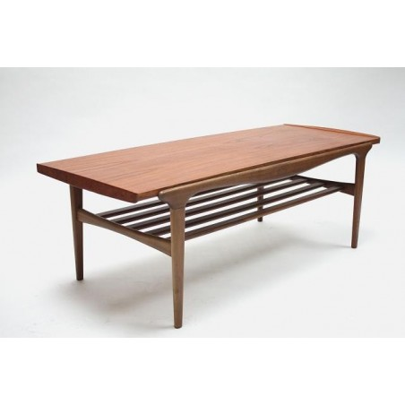 Coffee table in teak