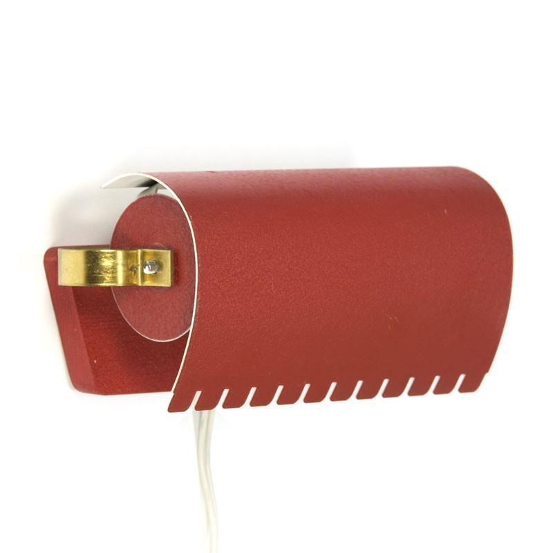 Vintage Deense wandlamp rood/ messing metaal