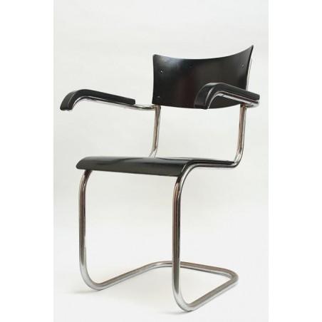 Buisframe stoel vroeg model