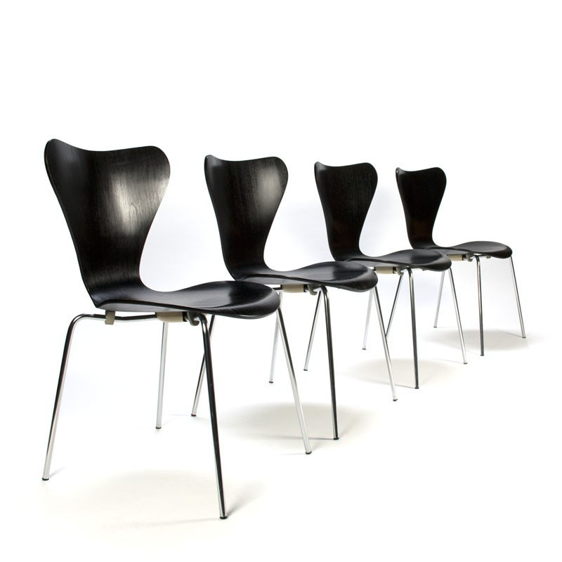 Vintage Set 3107 Butterfly Chairs Design Arne Jacobsen For
