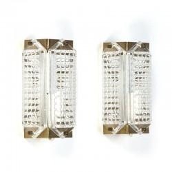 Set van 2 vintage glazen wandlampen met messing detail