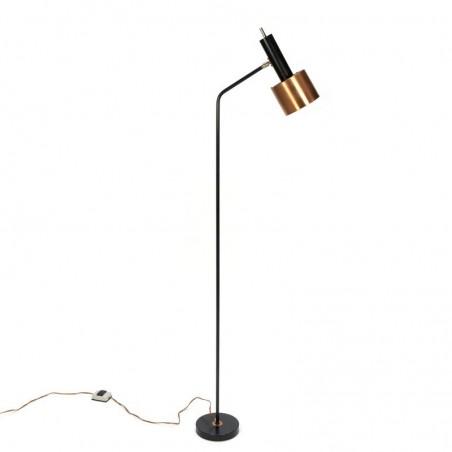 Deense vintage staande lamp met kapje in koper