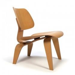 Eames LCW vitra lounge stoel