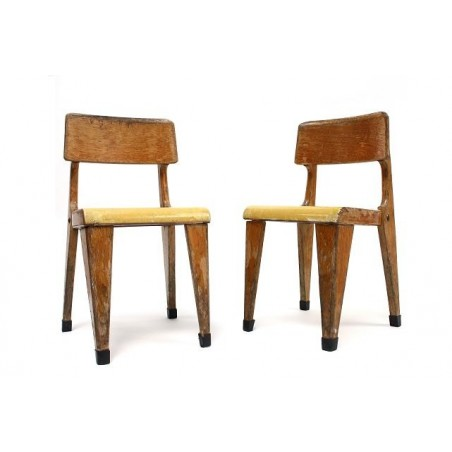 Set of 2 wooden childeren's chairs