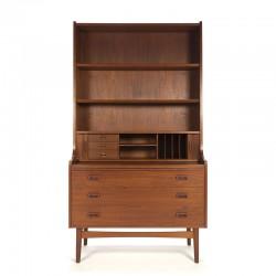 Hoog model Deense vintage boekenkast design Nexø