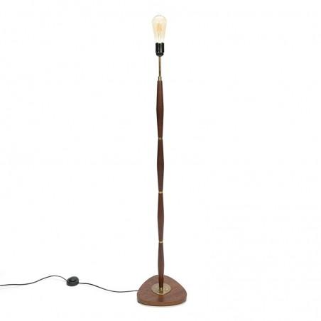 Staande Deense vintage teakhouten lamp