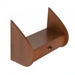 Deens vintage klein wandkastje met lade