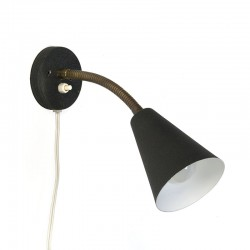 Deens vintage wandlampje met zwart kapje
