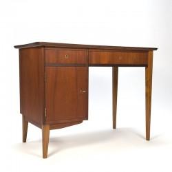 Klein model vintage Deens teakhouten bureau