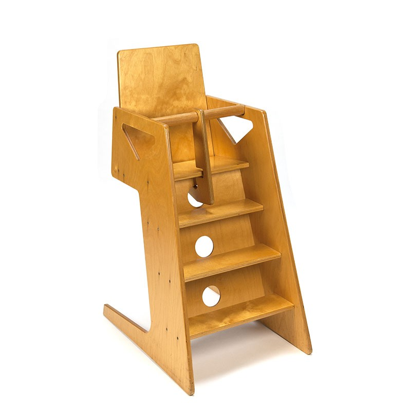 Blank houten vintage design kinderstoel