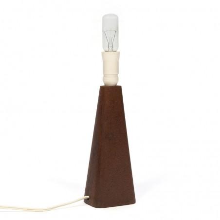 Kleine Deense tafellamp met teakhouten voet