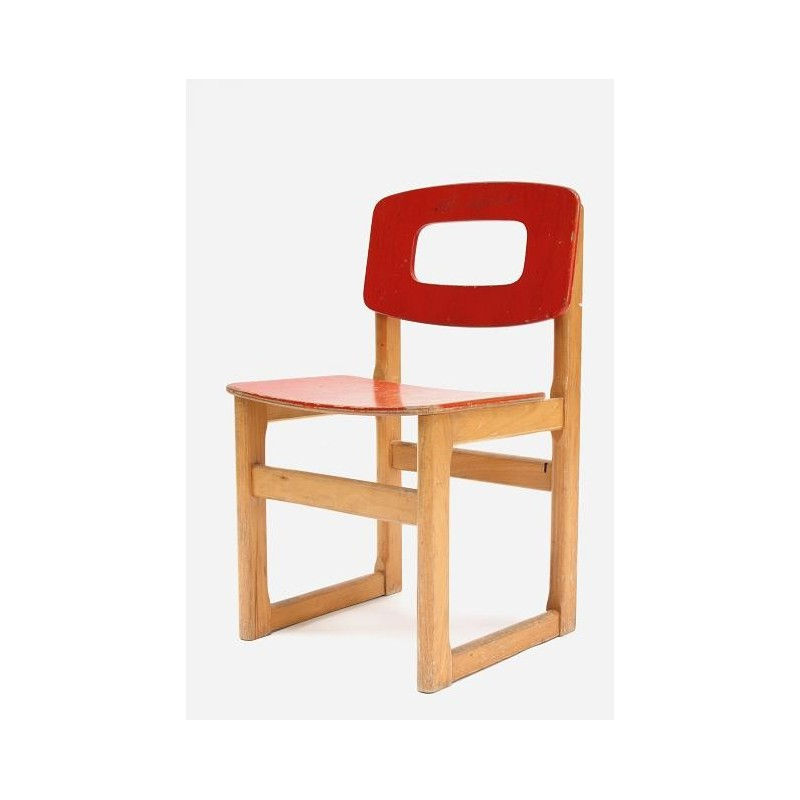 Red Hukit school chair
