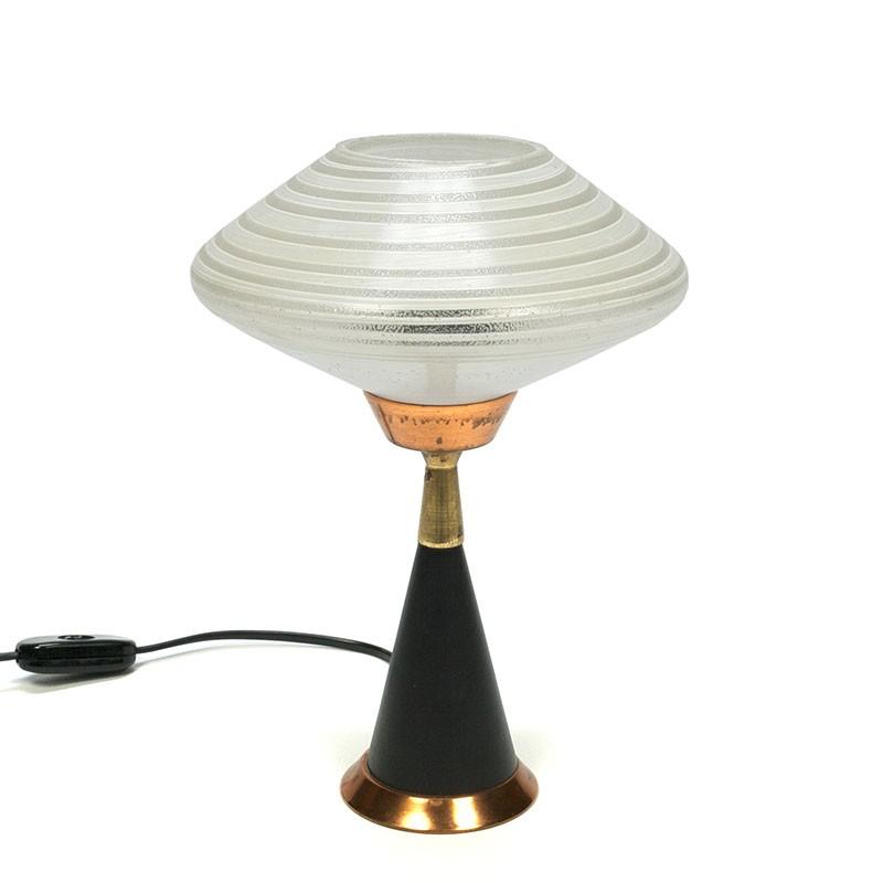 Vintage tafellamp met geslepen glazen kap