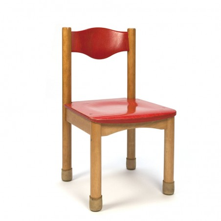 Wooden kindergarten chair with red detail