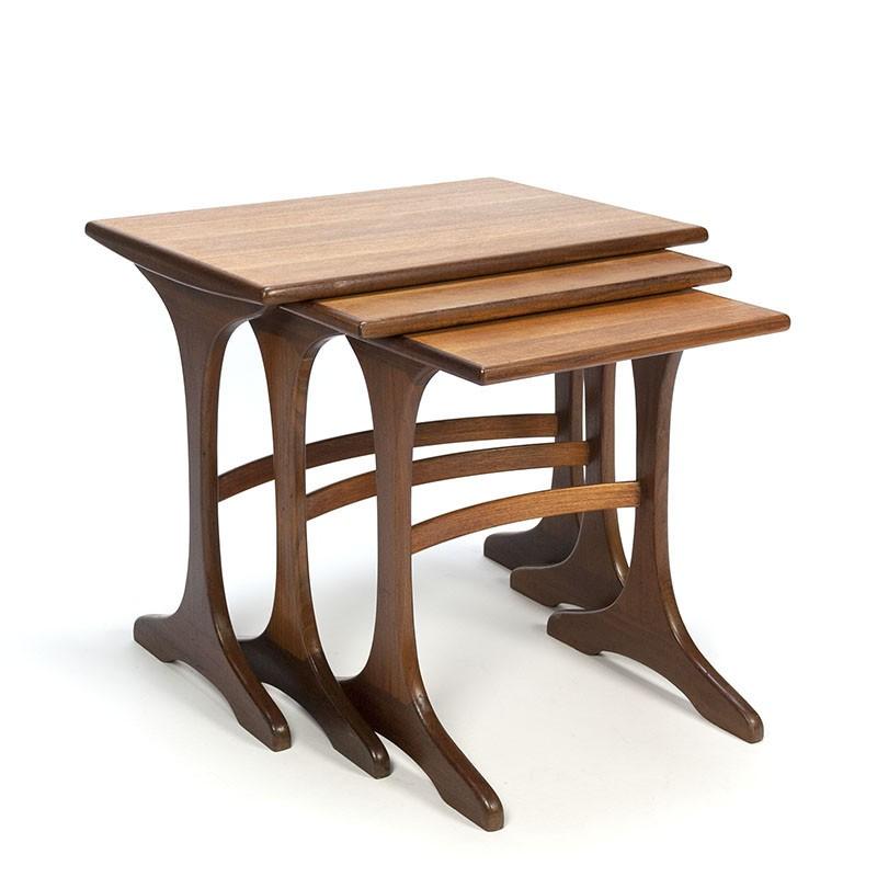 Teakhouten vintage nest tafeltjes van Gplan