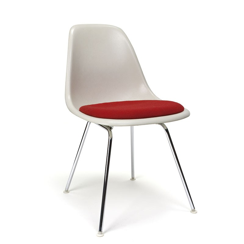 Vintage DSX chair by Charles and Ray Eames for Herman Miller