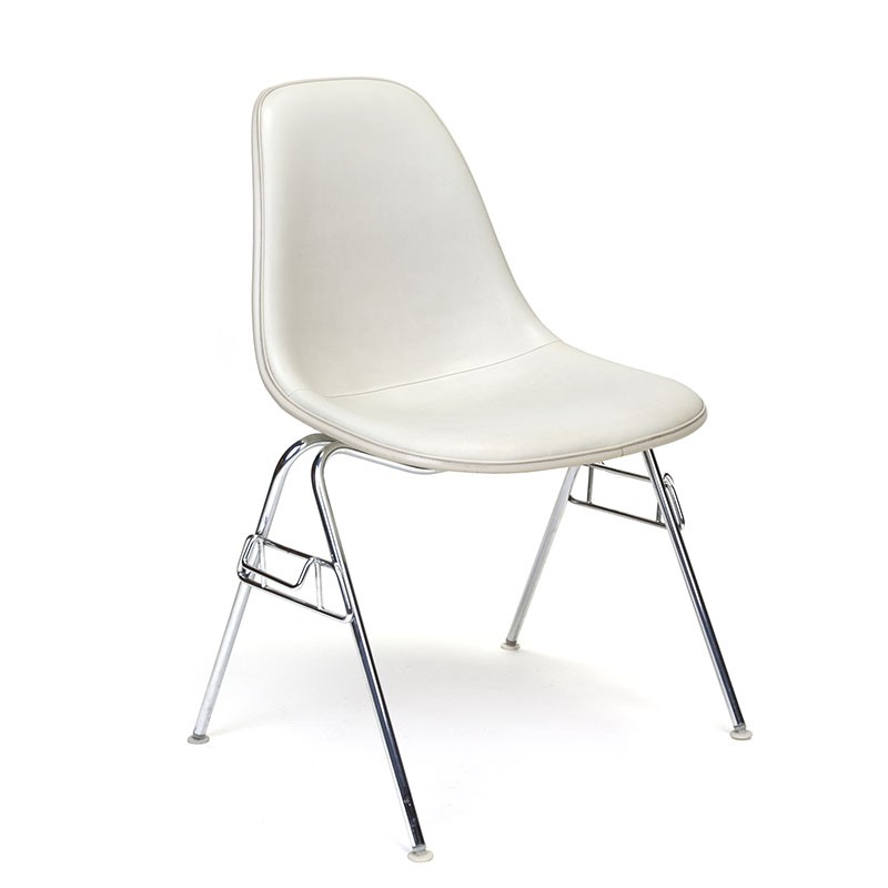 Vintage DSS chair design Charles and Ray Eames for Herman Miller