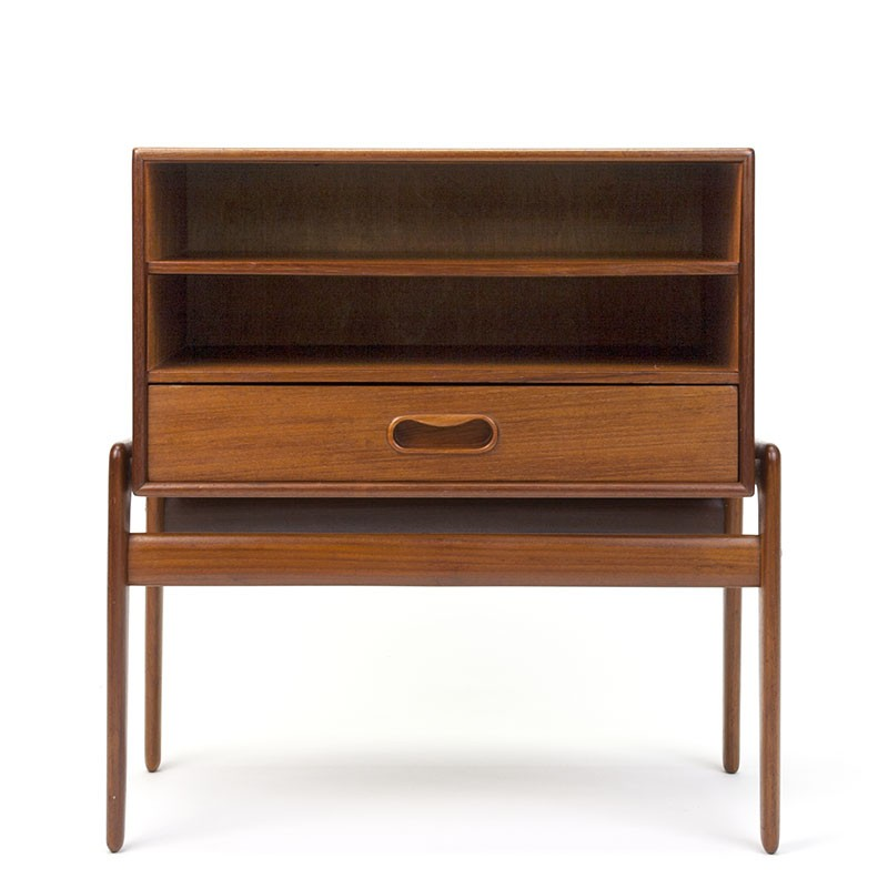 Vintage design night stand design Arne Vodder for Vamo