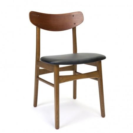 Vintage stoel uit Denemarken met rugleuning in teakhout