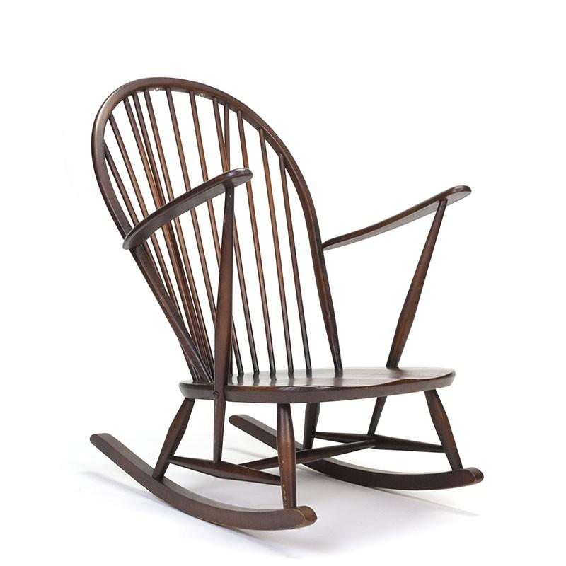 Vintage schommelstoel van Ercol design Lucian Ercolani