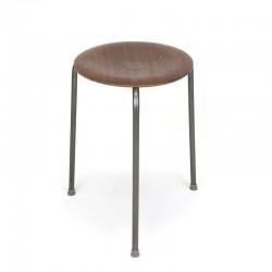 Vintage kruk met ontwerp in stijl van Arne Jacobsen