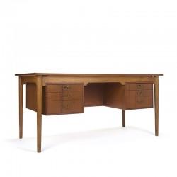 Groot vintage Scandinavisch bureau in teak en eiken