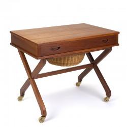 Bijzet en naaigerei tafel vintage Deens design
