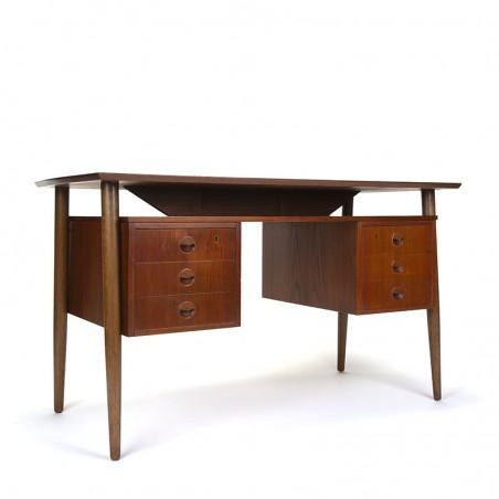 Teakhouten Deens vintage bureau met dubbel lade blok