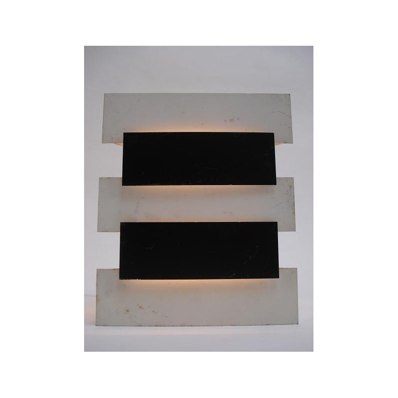 Anvia modernistic wall lamp