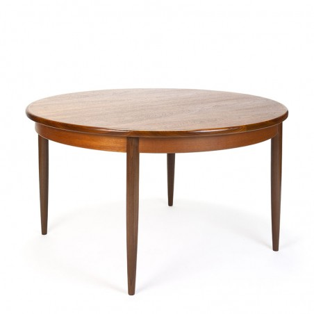 Vintage round teak extendable Gplan dining table