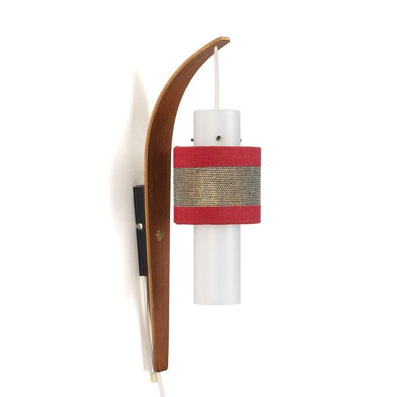 Vintage Deense wandlamp met teakhouten muurdeel