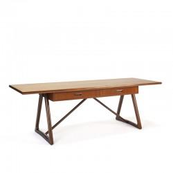 Deense vintage salon of sidetafel met bijzonder frame en lades