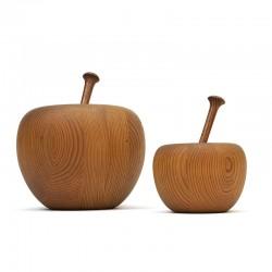 Set of 2 decorative vintage apples