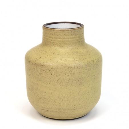 Geel vintage vaasje van Zaalberg keramiek