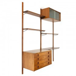 Danish vintage wall system in teak with 2 cabinets en shelves