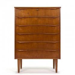 Deense vintage design ladekast met stijlvolle greep